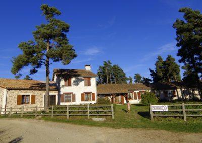 maison-hotes-stflour-margeride-cantal-auvergne-piscine-1